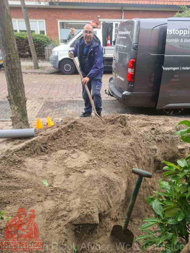 Riool ontstoppen Leiden graven